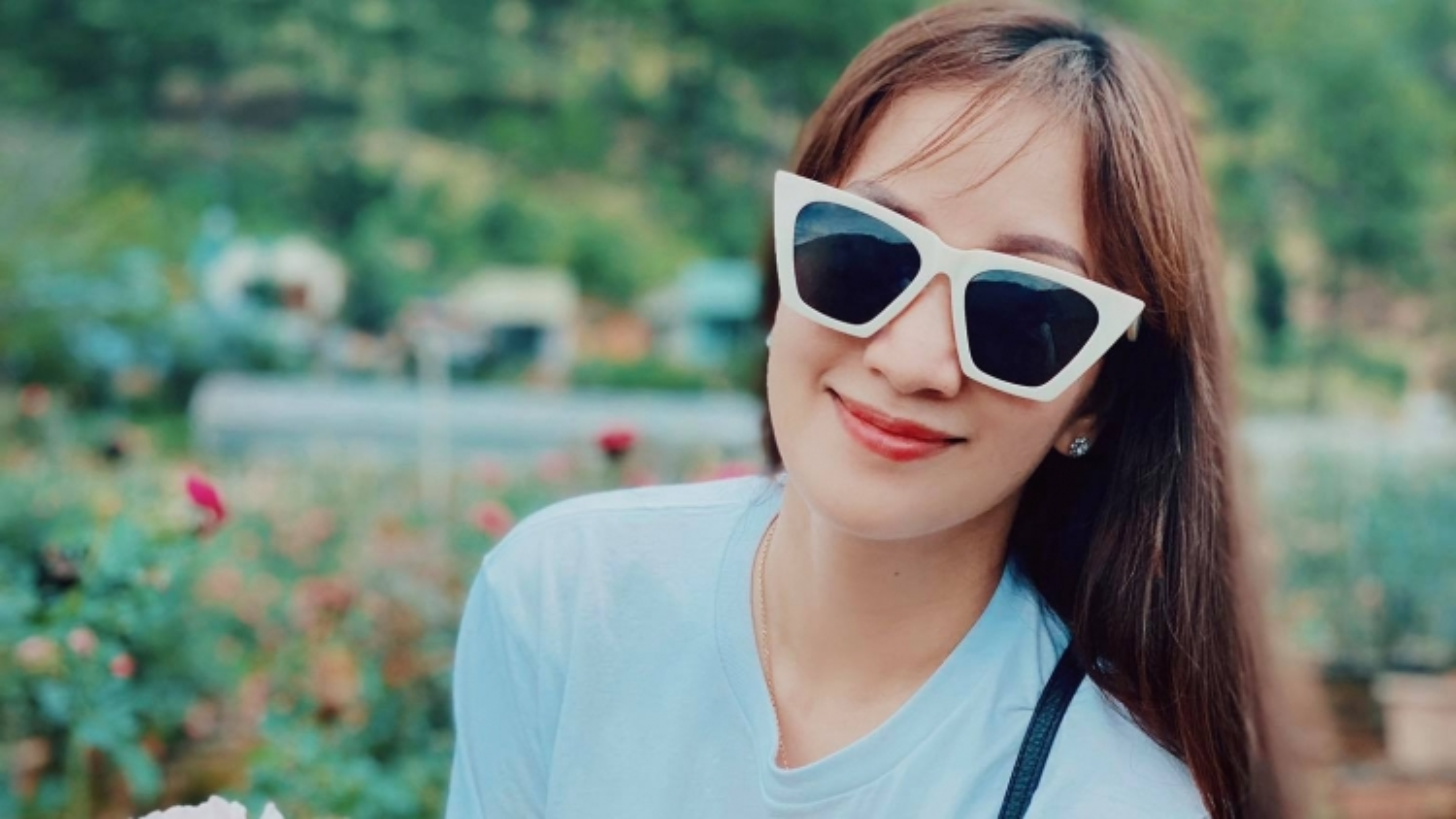 """Chuyện showbiz: Khánh Thi ngọt ngào hỏi Phan Hiển """"Anh có thích làm chồng em không?"""""""
