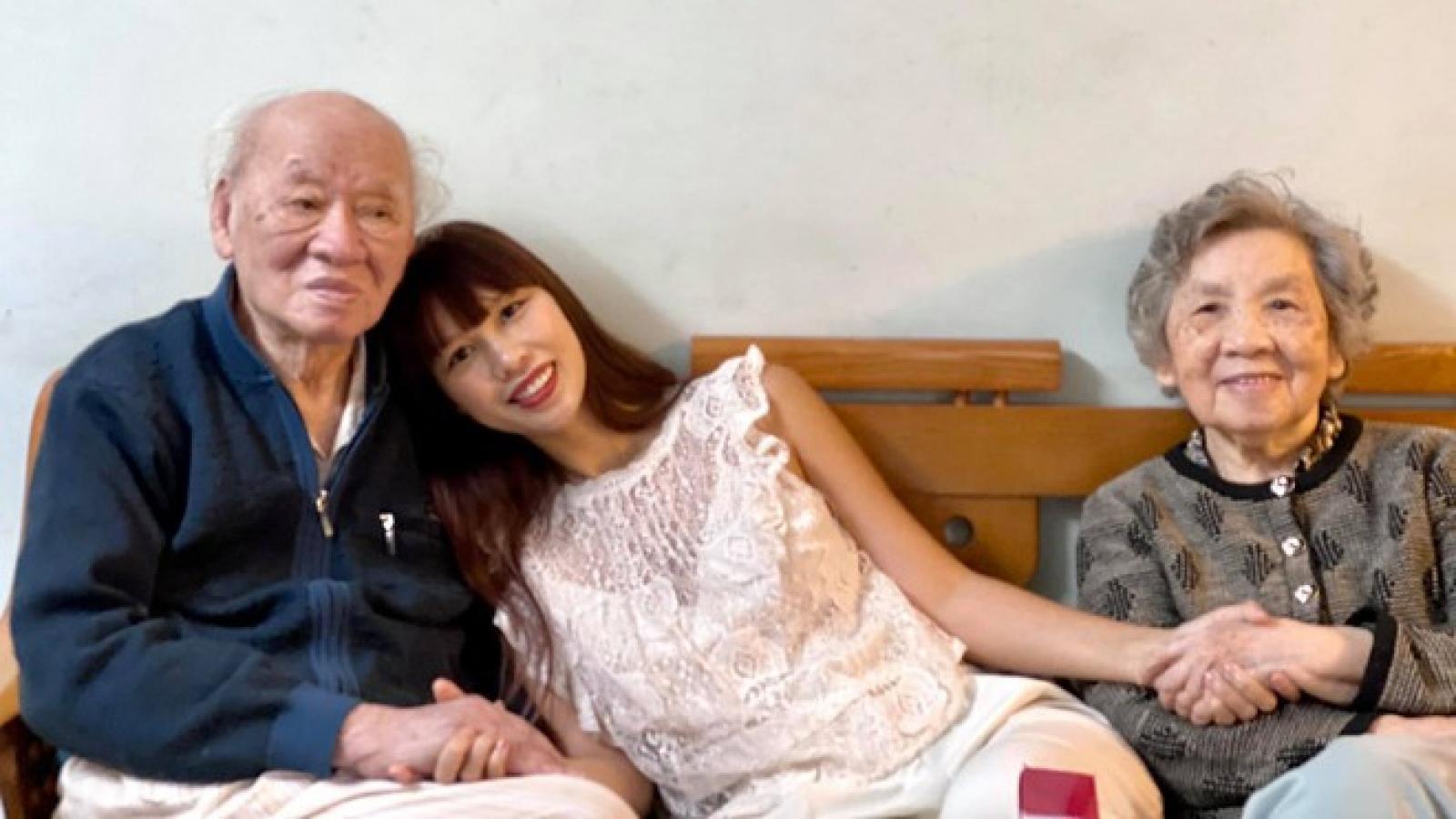 """Hà Anh nghẹn ngào khi nhà văn Vũ Tú Nam qua đời: """"Ông nội luôn ở trong trái tim tôi"""""""