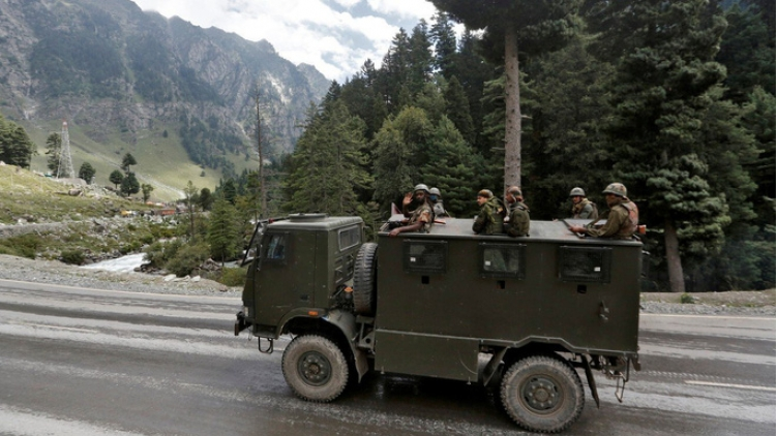 Ấn Độ tăng cường tiềm lực quân sự giữa lúc căng thẳng với Trung Quốc