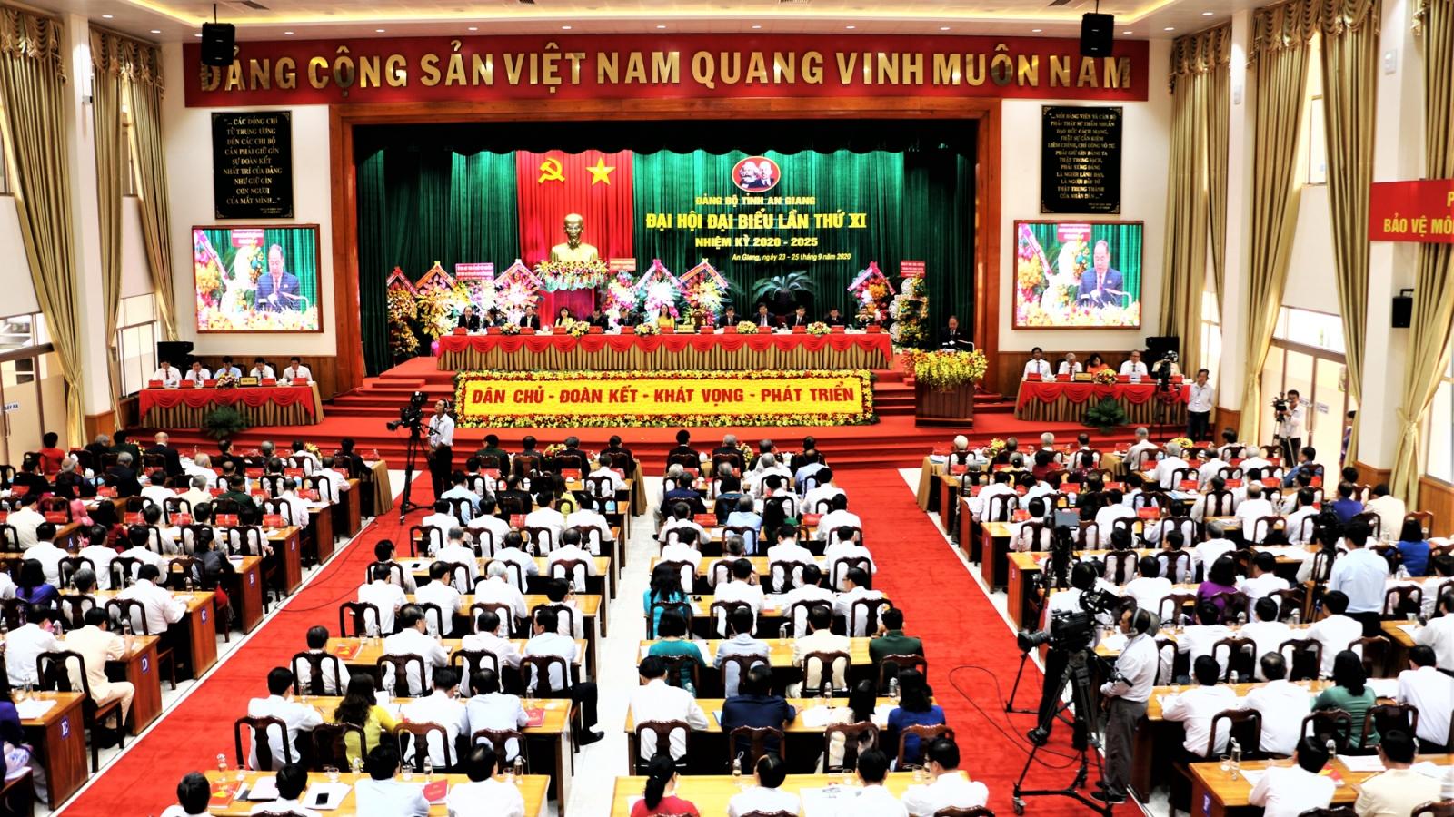 Ông Võ Văn Thưởng dự Khai mạc Đại hội Đảng bộ tỉnh An Giang