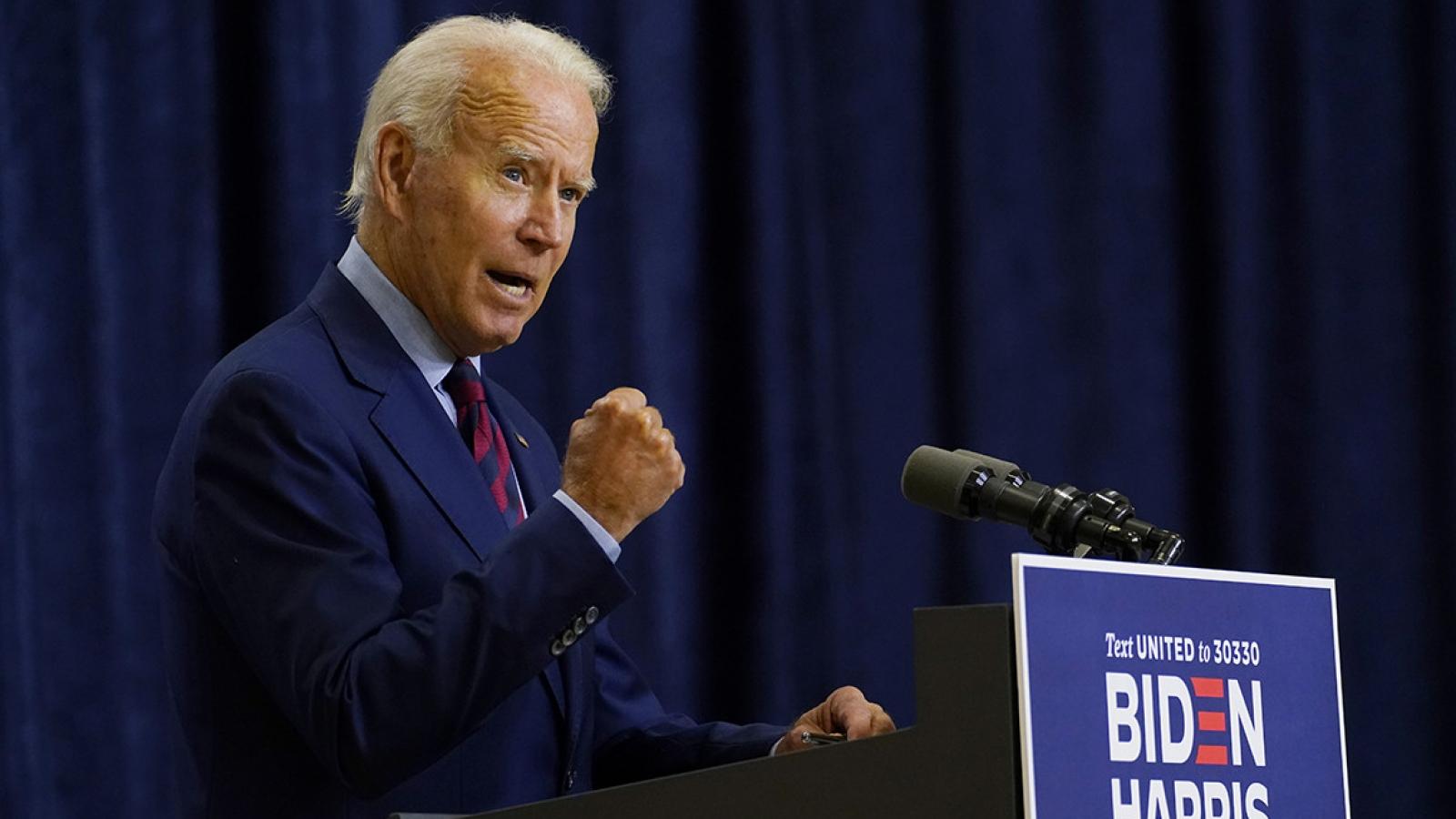 Ông Biden dẫn trước Tổng thống Trump ở 4 bang chiến địa