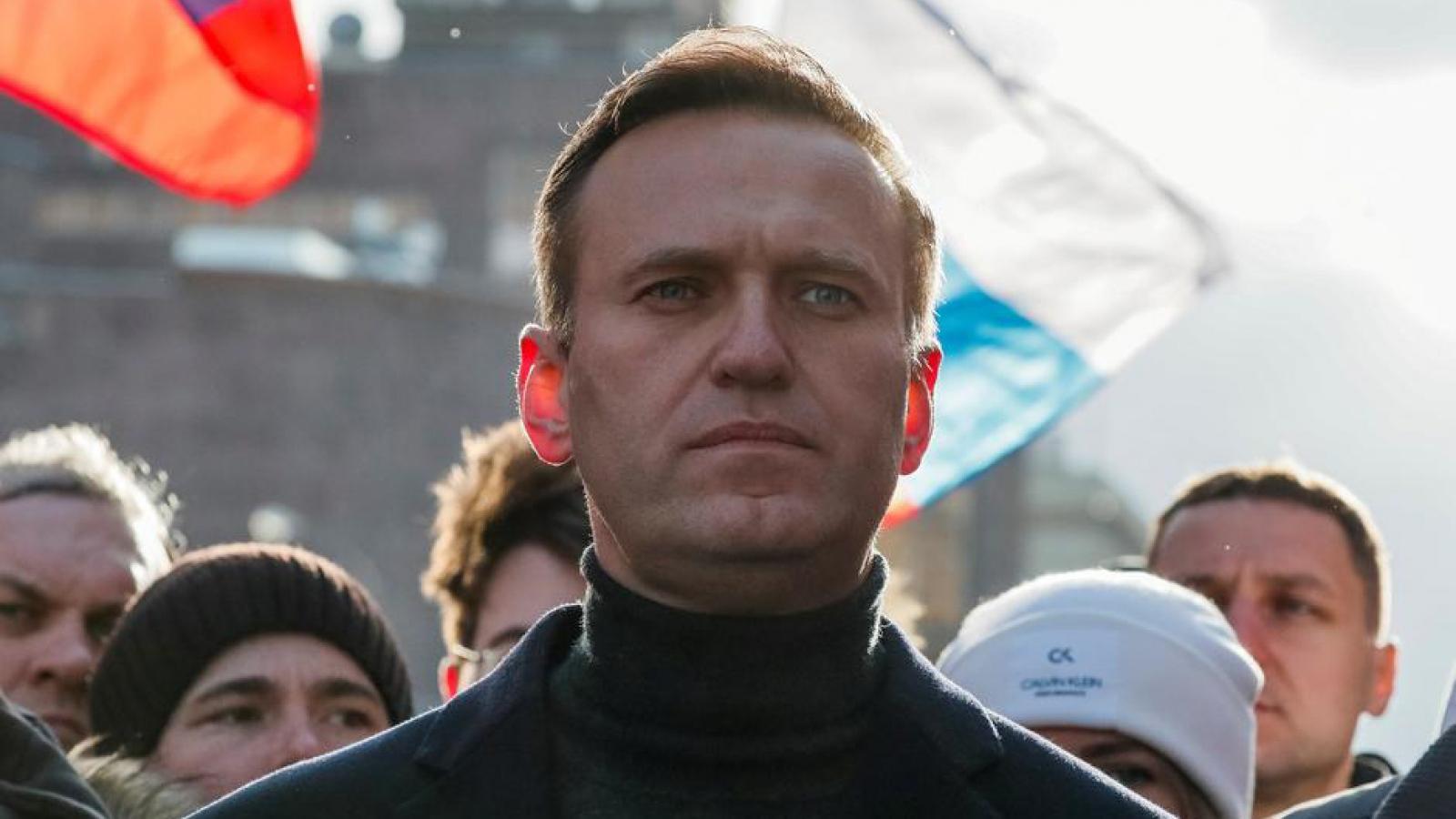 Vụ chính trị gia đối lập Nga hôn mê: EU cân nhắc trừng phạt, Nga phản pháo