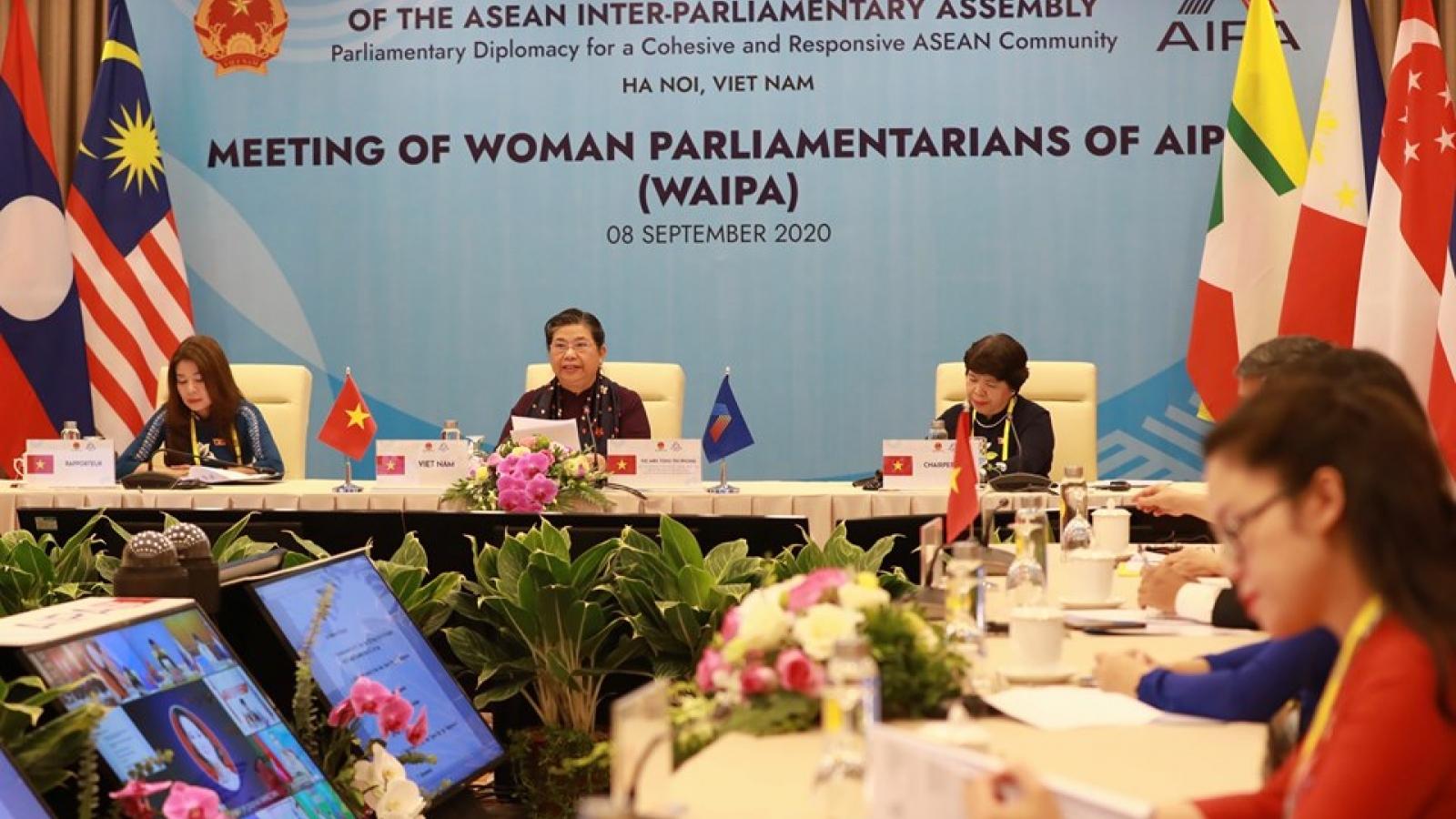 Nữ nghị sĩ AIPA thông qua Nghị quyết về đảm bảo việc làm và thu nhập