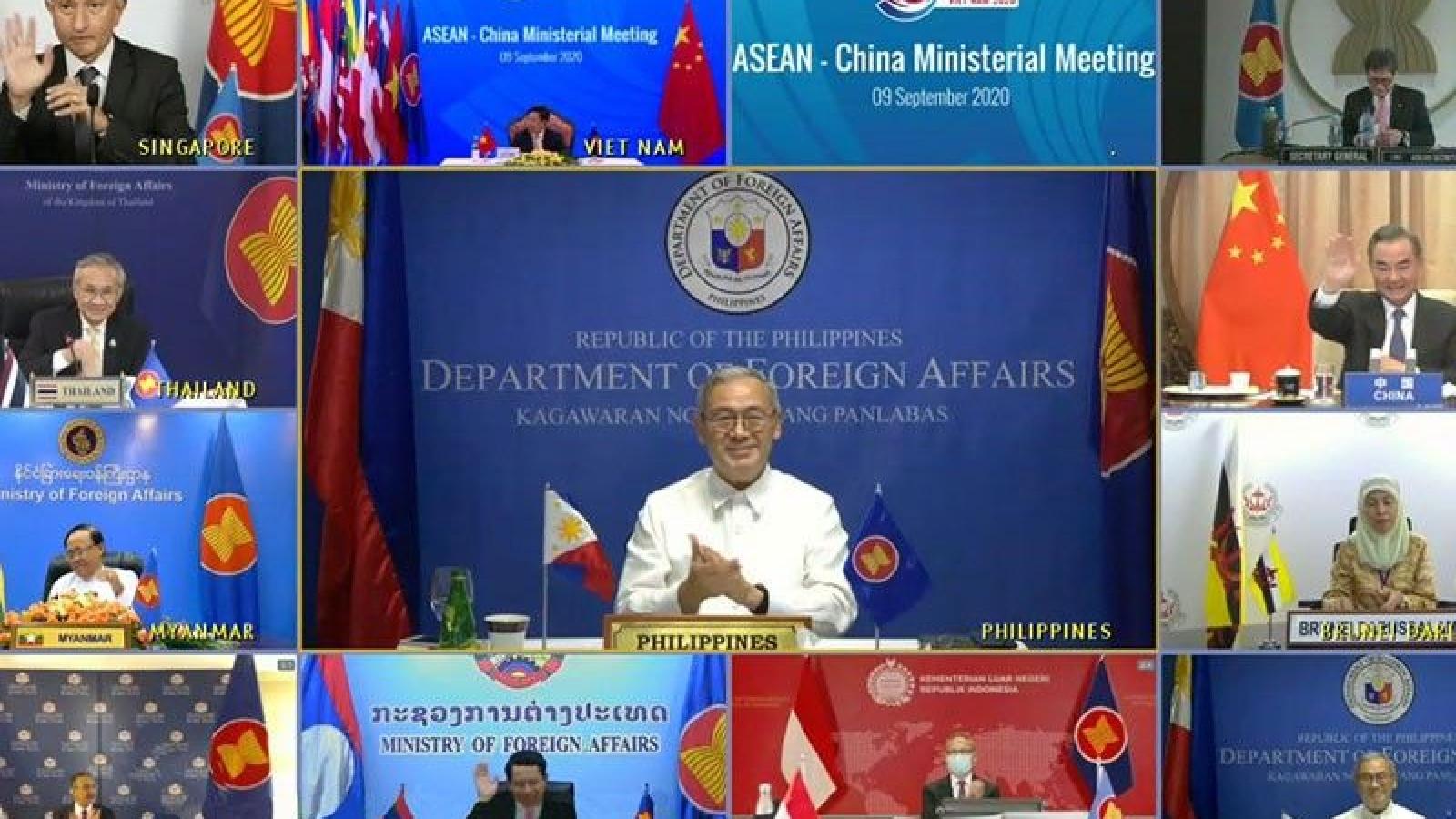 """Trung Quốc đổ lỗi """"một số quốc gia ngoài khu vực"""" gây trì hoãn đàm phán COC"""