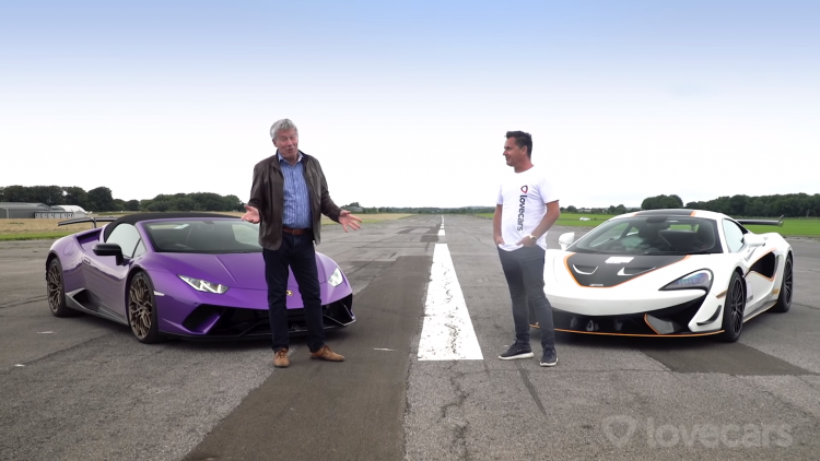 Video: Lexus LFA và Audi R8 V10 Spyder so tài trên đường đua