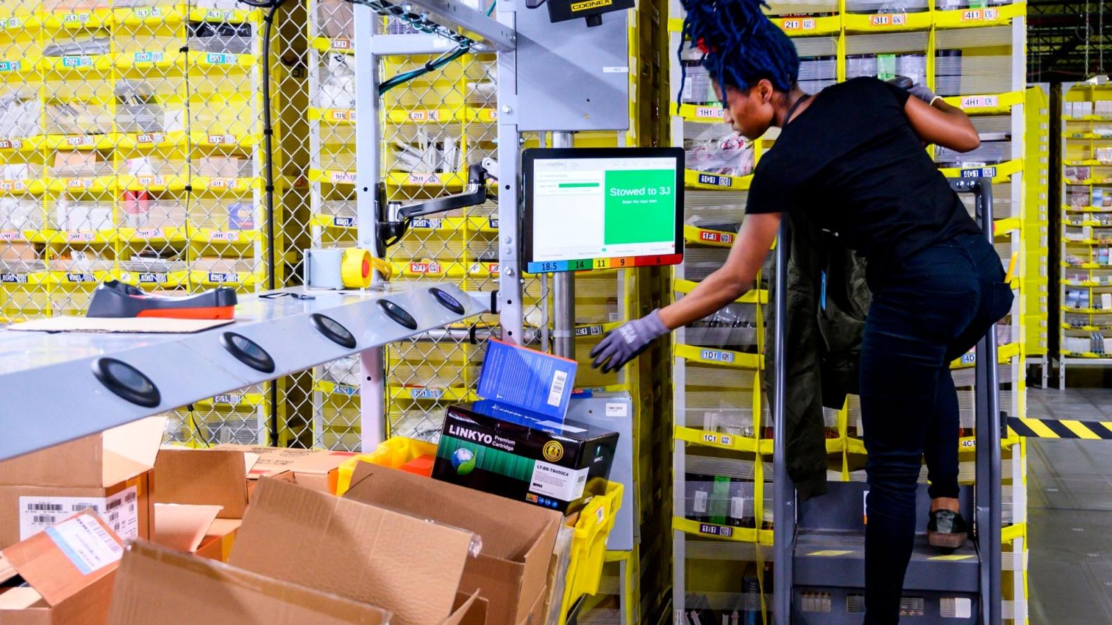 Amazon sẽ tuyển dụng thêm 100.000 nhân viên