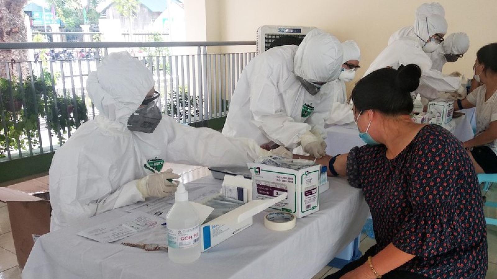 TPHCM lấy mẫu xét nghiệm Covid-19 đối với người rời Đà Nẵng từ 5/9