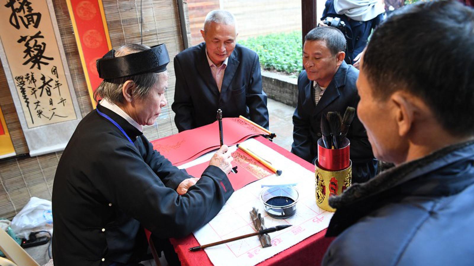 Calligraphy exhibition to celebrate Hanoi capital's 1,010th anniversary