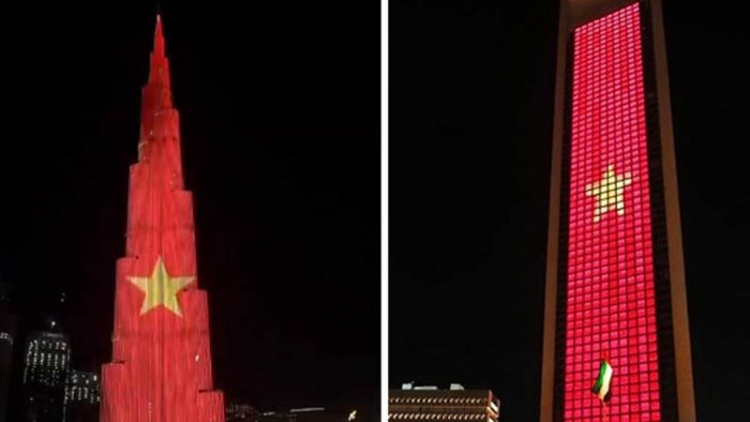 World's tallest tower features Vietnamese flag to mark National Day