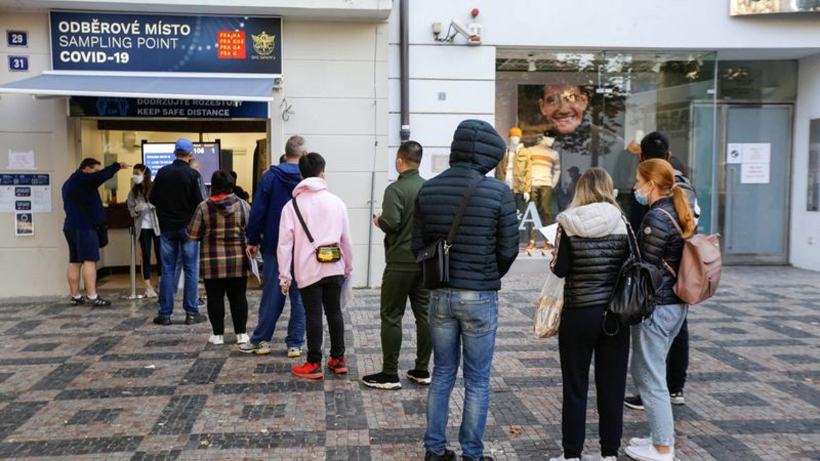 Số ca nhiễm vượt 50.000, Séc dự kiến áp đặt một số các hạn chế mới