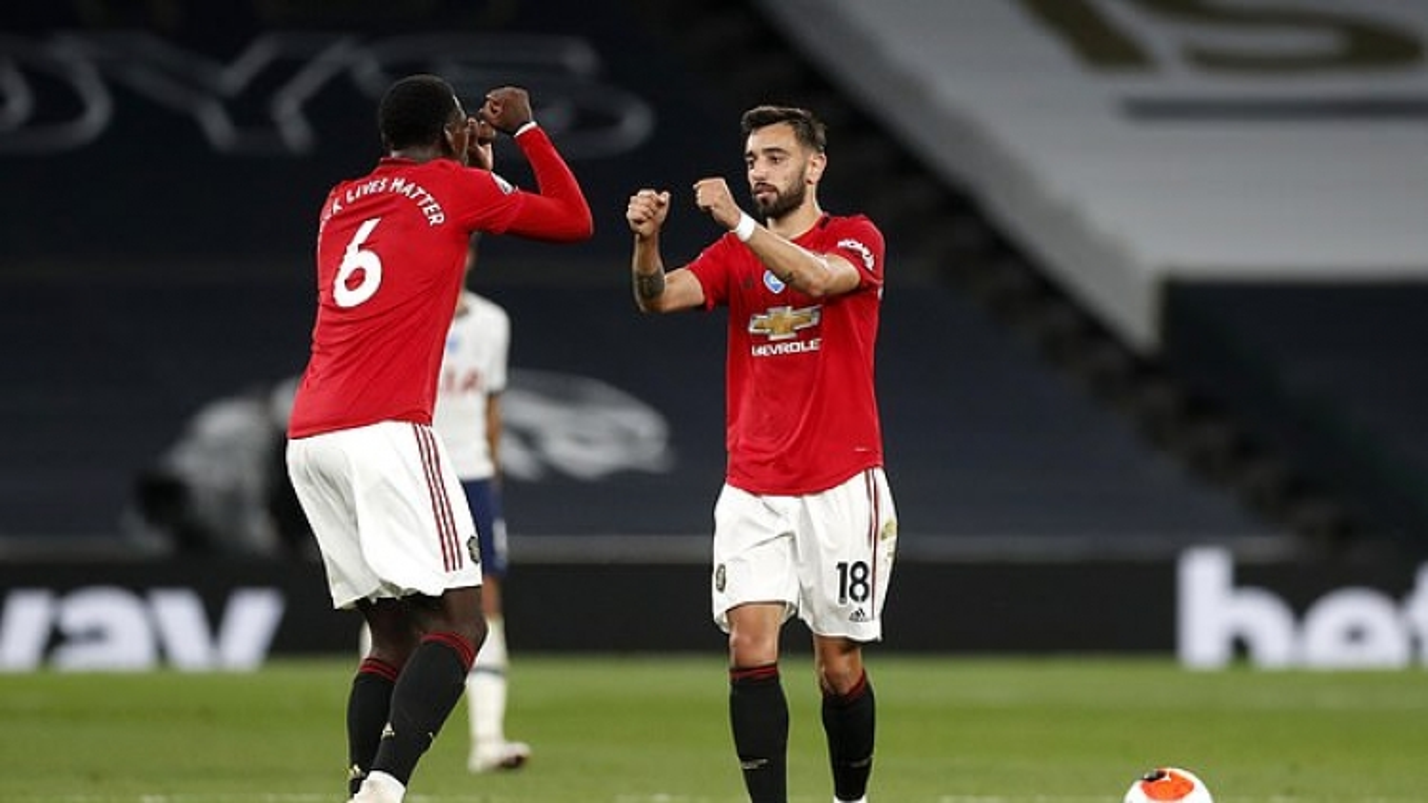 Cựu sao Man City đưa ra dự đoán bất ngờ về khả năng vô địch Ngoại hạng Anh của MU