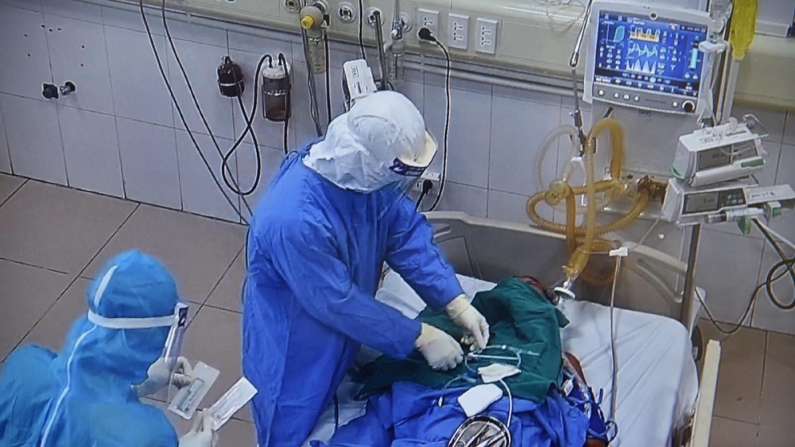 Bệnh nhân 1045 ở Hải Dương suy hô hấp nặng, thở máy khi nhập viện