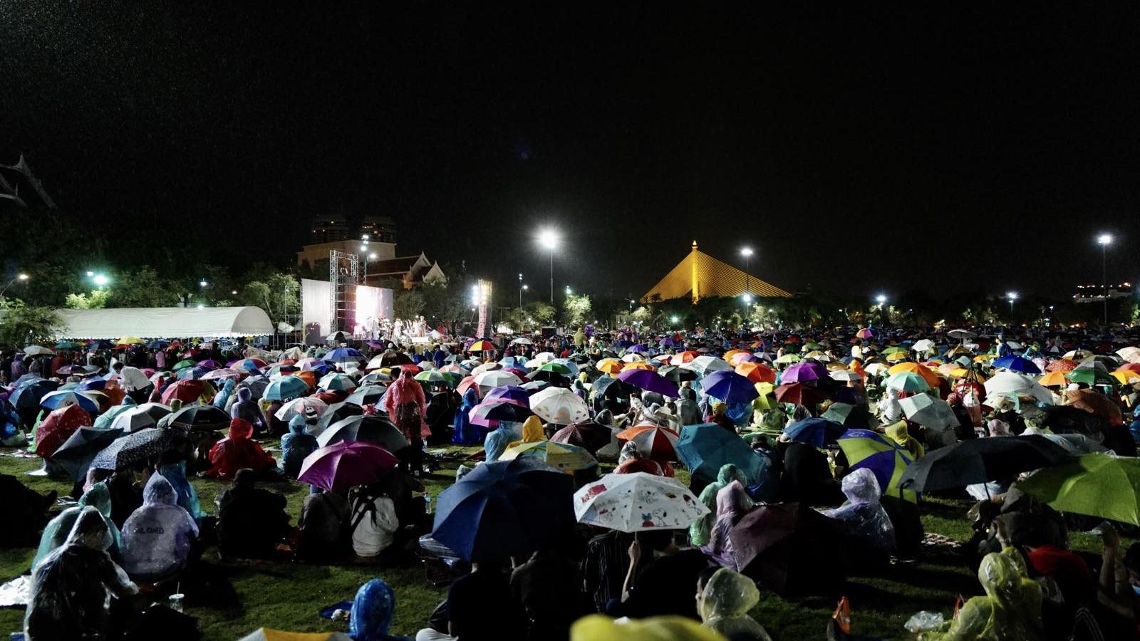 Thủ tướng Thái Lan cảnh báo biểu tình sẽ cản trở cơ hội phát triển của đất nước