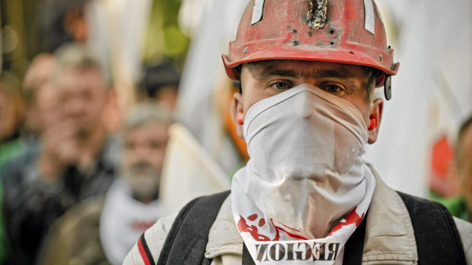 Hàng trăm công nhân khai thác than đình công gây sức ép lên chính phủBa Lan