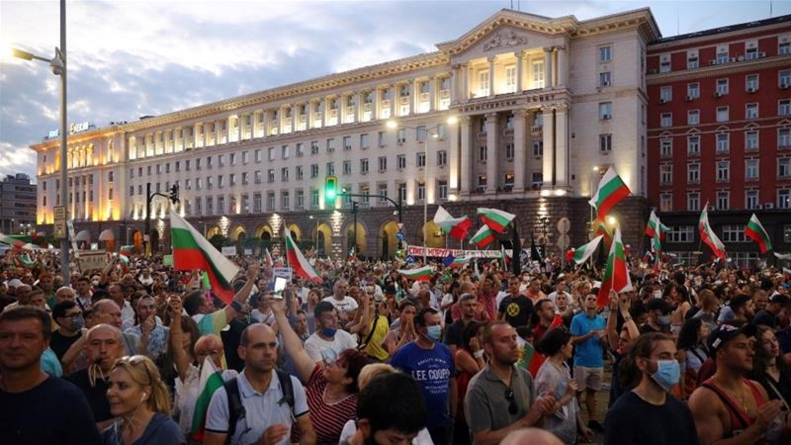 Hơn 2 tháng biểu tình yêu cầu Thủ tướng Bulgaria từ chức
