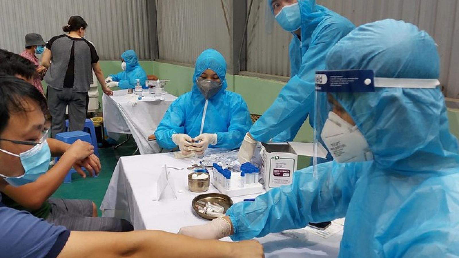 Xét nghiệm 2 ngày/lần cho các chuyên gia, lao động nhập cảnh vào Việt Nam dưới 14 ngày