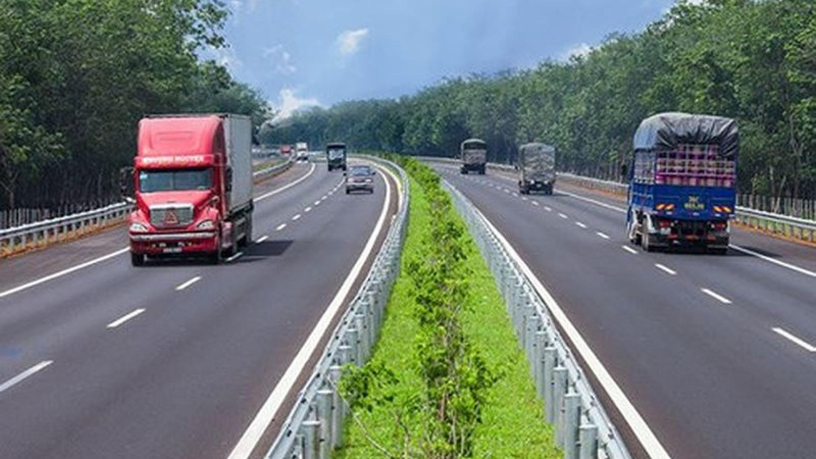 Chậm nhất cuối năm nay phải thu phí sử dụng đường bộ theo hình thức điện tử không dừng