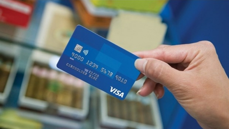 Int'l card organisations continually urged to cut fees