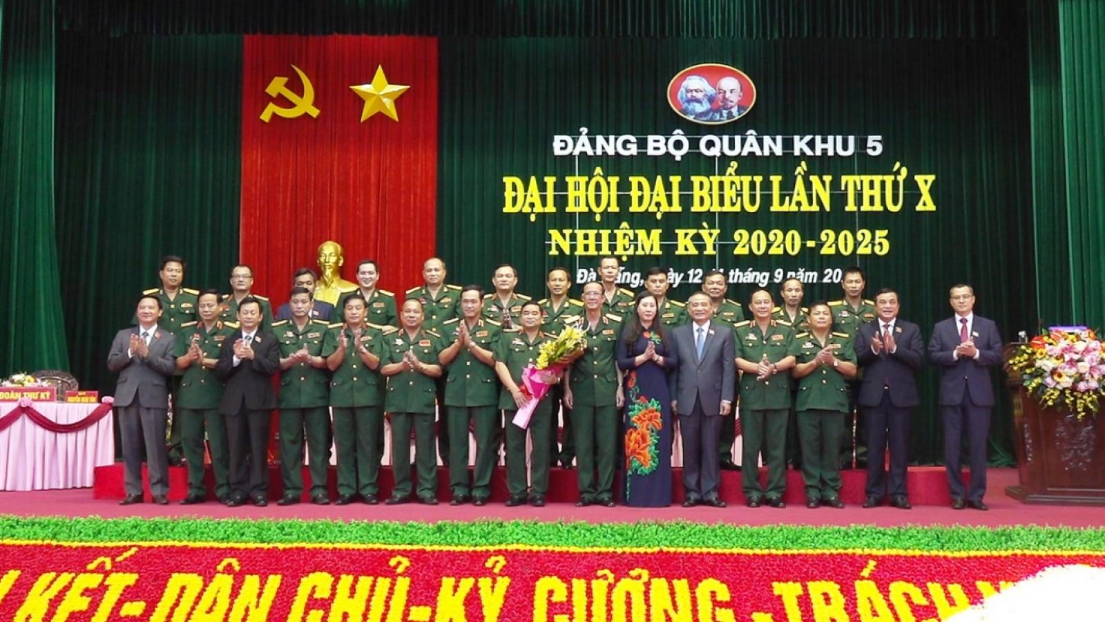 Trung tướng Trịnh Đình Thạch, Chính ủy Quân khu 5tái đắc cử Bí thư Đảng ủy Quân khu 5