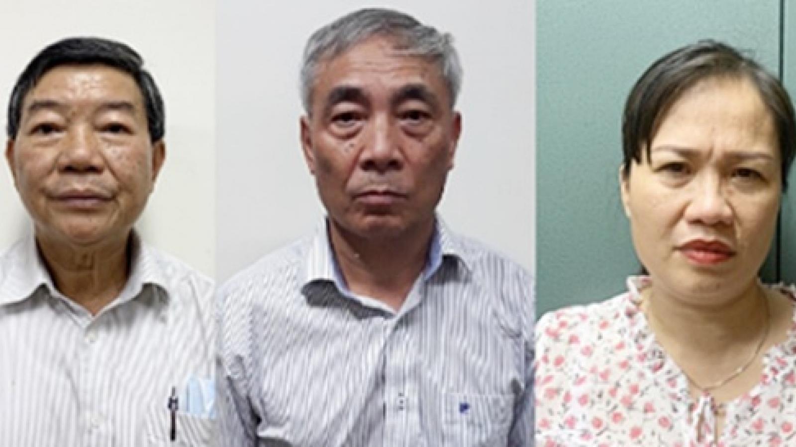 Khởi tố, bắt tạm giam nguyên Giám đốc bệnh viện Bạch Mai vì nâng khống thiết bị y tế