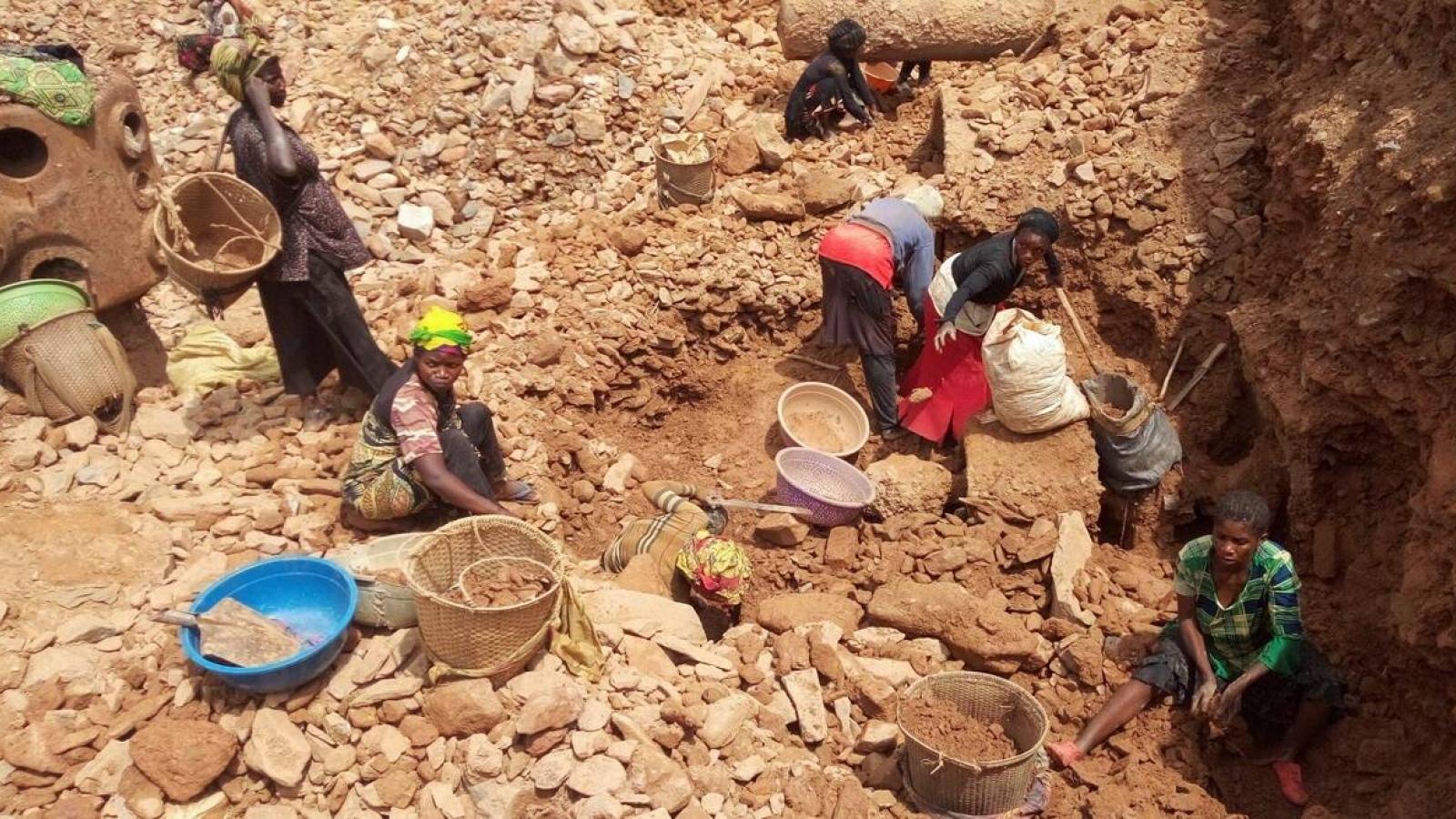 Sập mỏ khai thác vàng tại Congo, ít nhất 50 người thiệt mạng