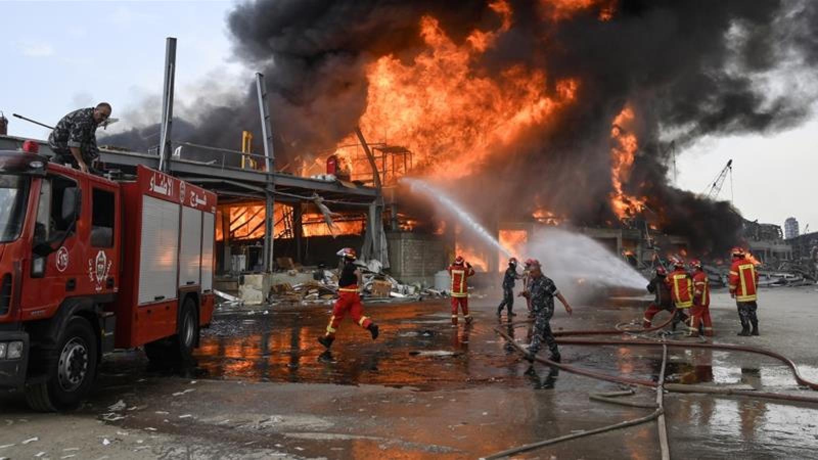 Lại thêm một vụ cháy lớn chưa rõ nguyên nhân xảy ra tại cảng Beirut (Lebanon)