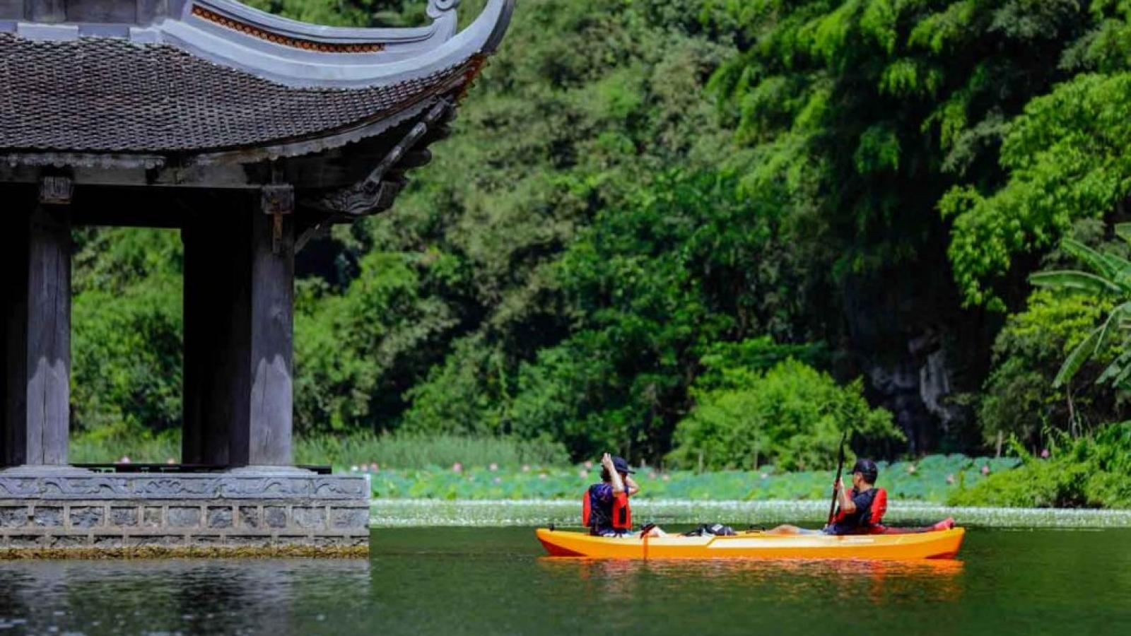 """""""Bỏ túi"""" những trải nghiệm độc - lạ khi đi du lịch Ninh Bình"""