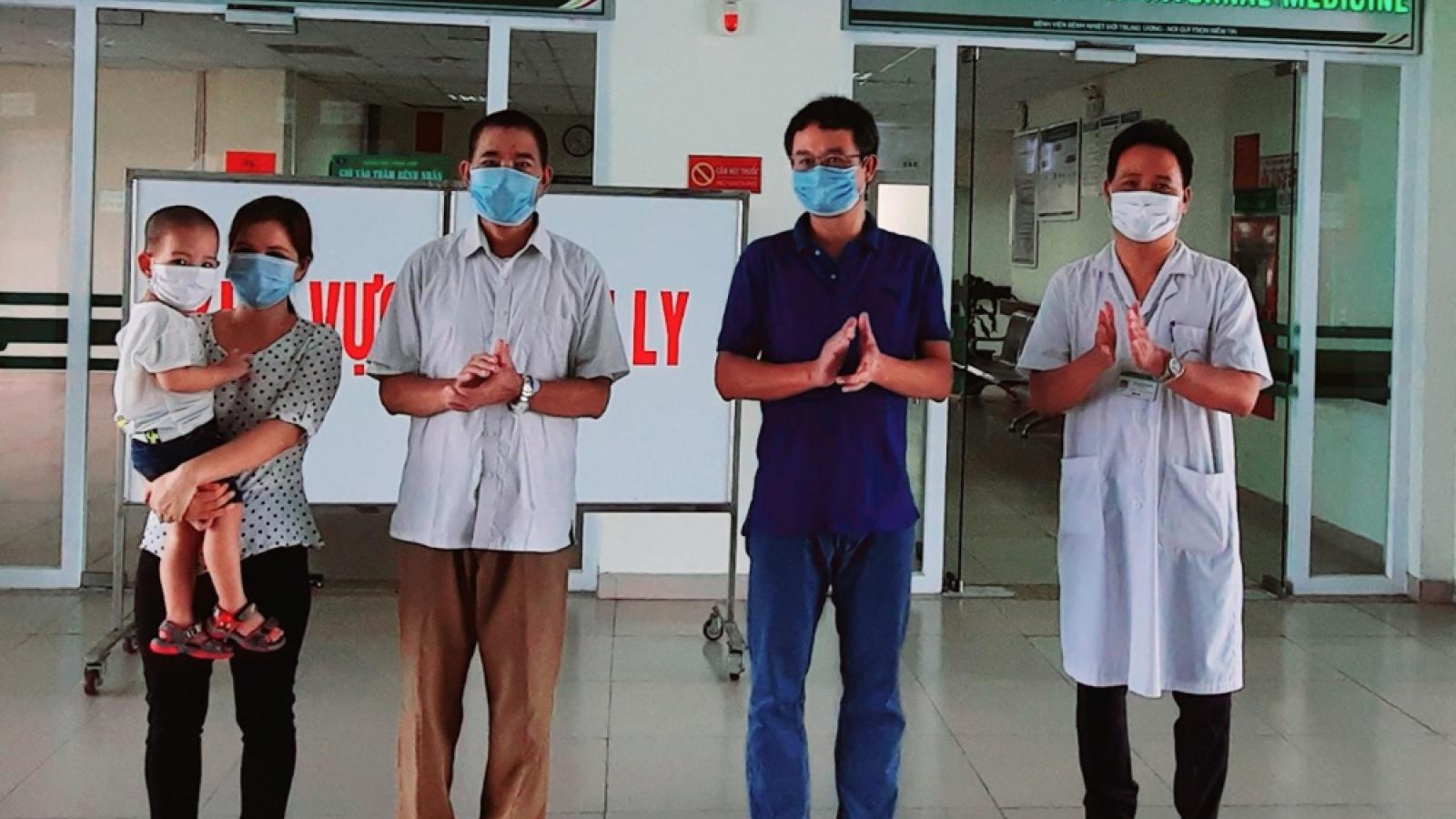 Bệnh nhân 793 từng phải đặt ECMO đã được điều trị khỏi Covid-19
