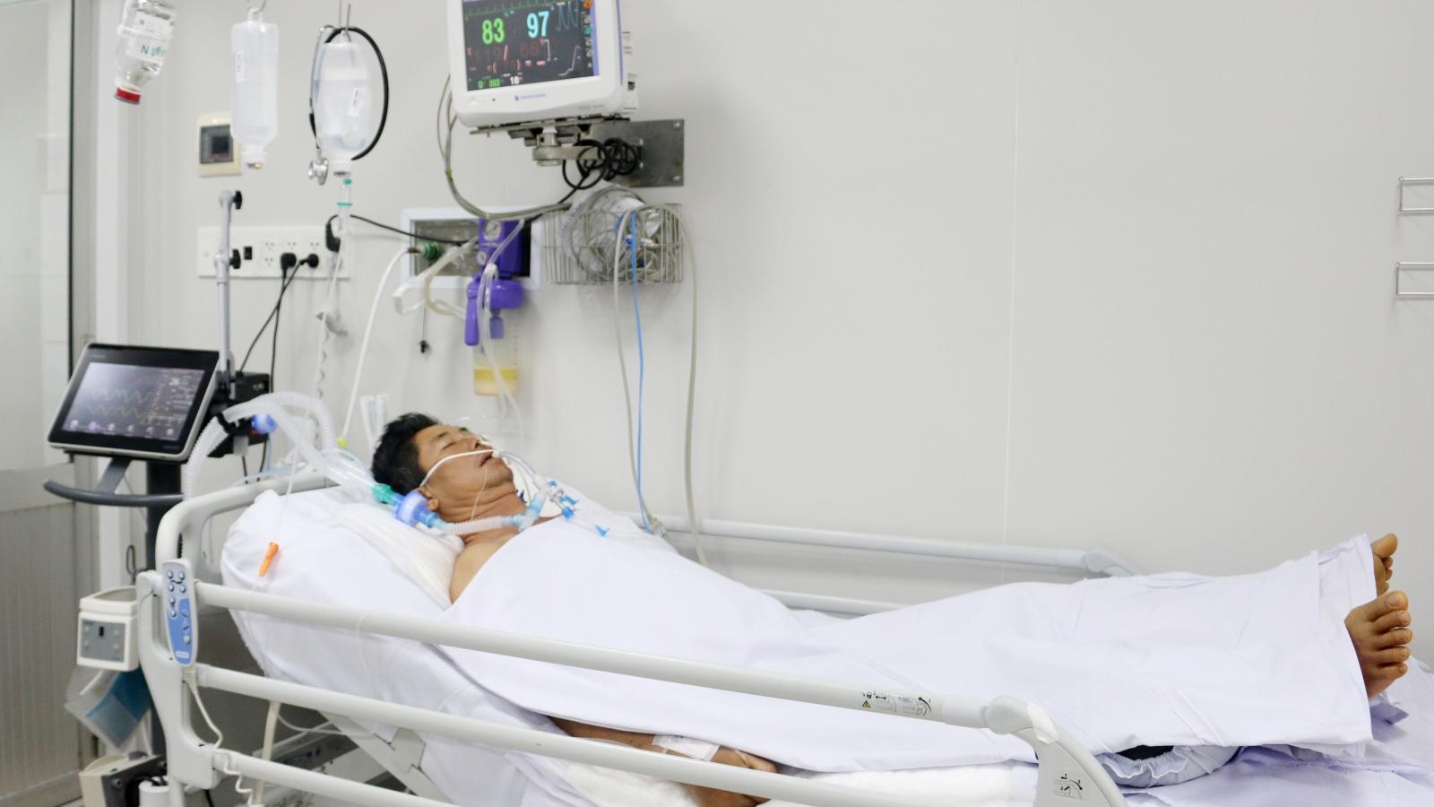 Bệnh nhân ngộ độc pate chay được truyền thuốc giải 8.000 USD/lọ