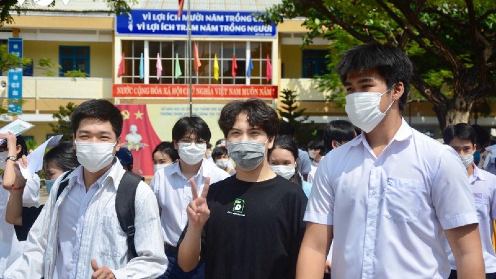 1 thí sinh Đà Nẵng phải cấp cứu trong buổi thi tốt nghiệp THPT đợt 2