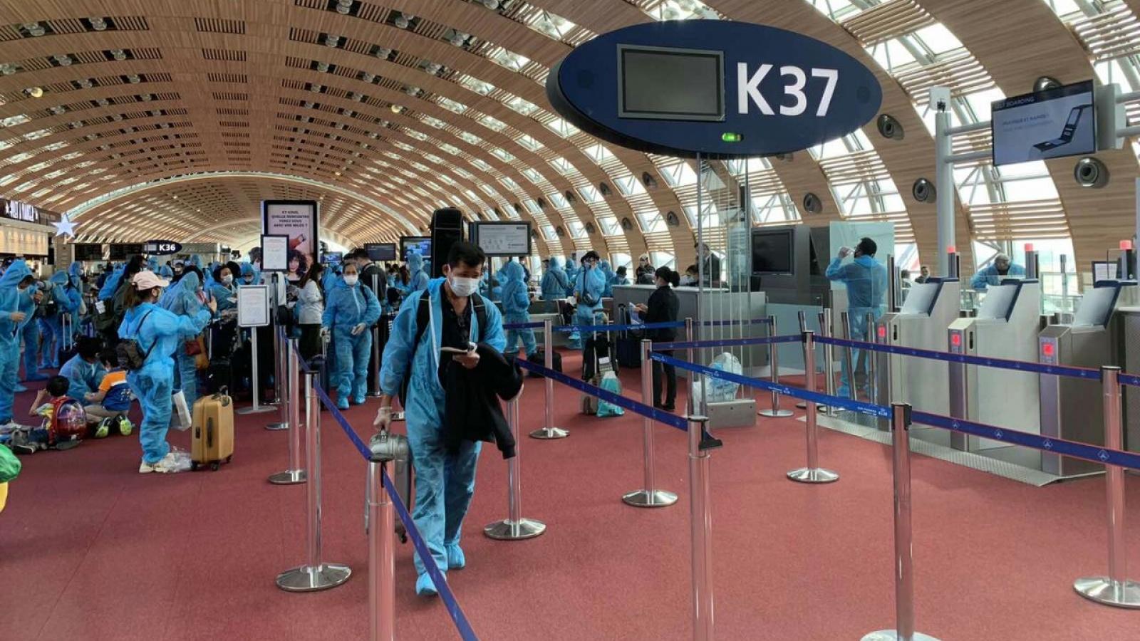 Đưa gần 280 công dân Việt Nam từ Pháp, Ma Rốc và Chile về nước