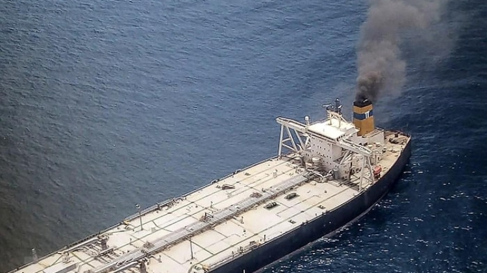 Chuyên gia quốc tế đến hỗ trợ khắc phục hậu quả cháy trên siêu tàu New Diamond