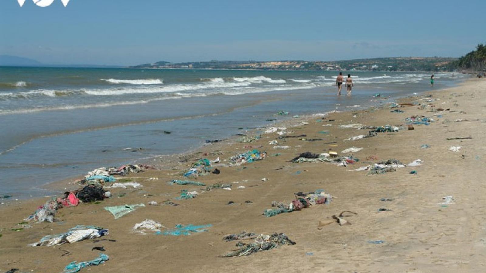 """Ô nhiễm rác thải nhựa đại dương: """"Có lúc thu hoạch rác thải nhựa nhiều hơn số lượng cá"""""""