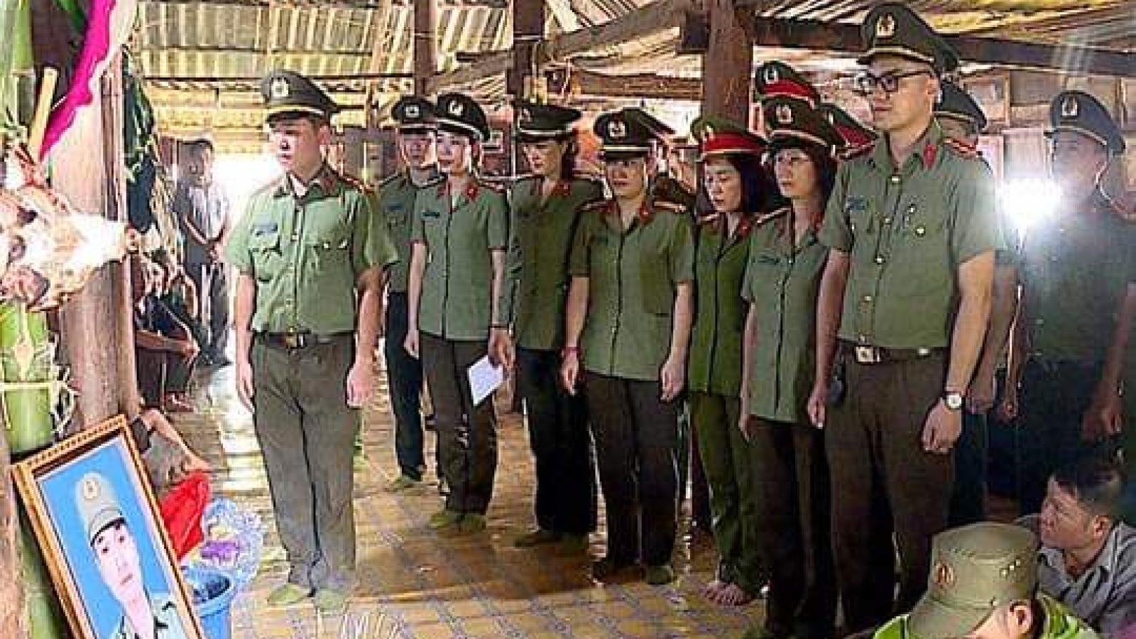 Bộ trưởng Tô Lâm chỉ đạo trừng trị nghiêm đối tượng đâm chết công an viên