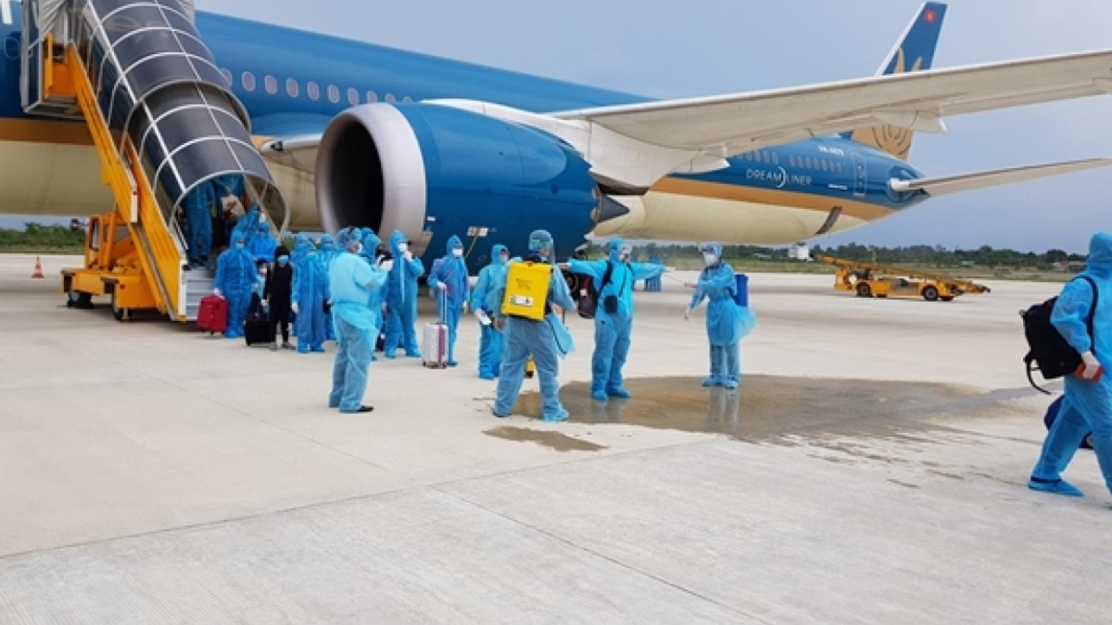 Chuyến bay thương mại quốc tế đầu tiên từ Hàn Quốc đã hạ cánh