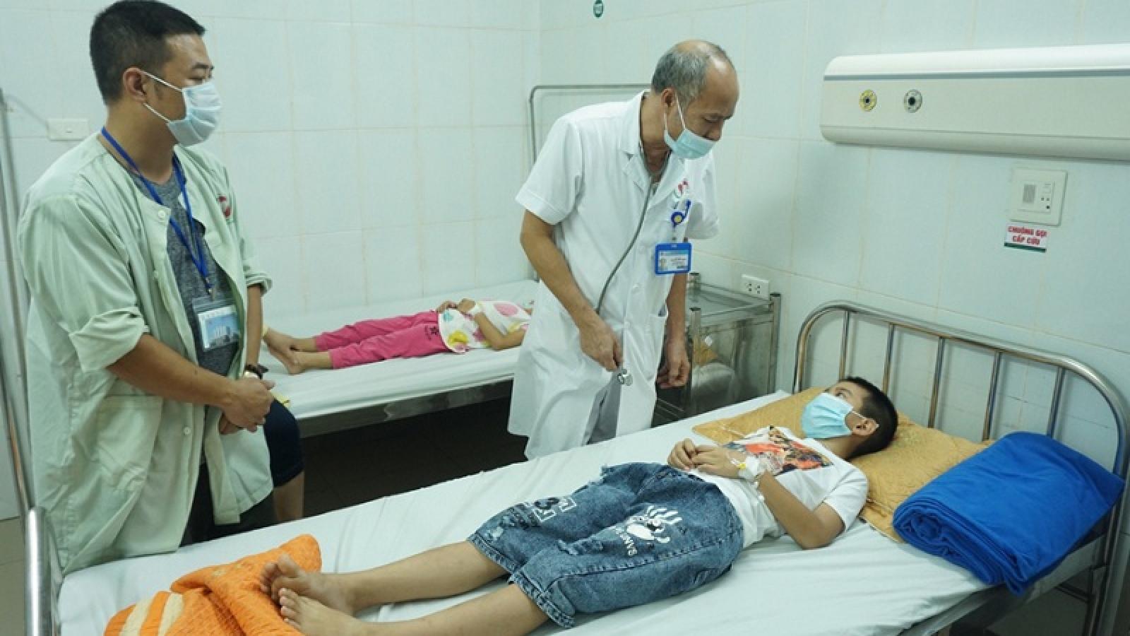 Học sinh ngộ độc thực phẩm ở huyện Đông Anh, Hà Nội đã hồi phục sức khỏe
