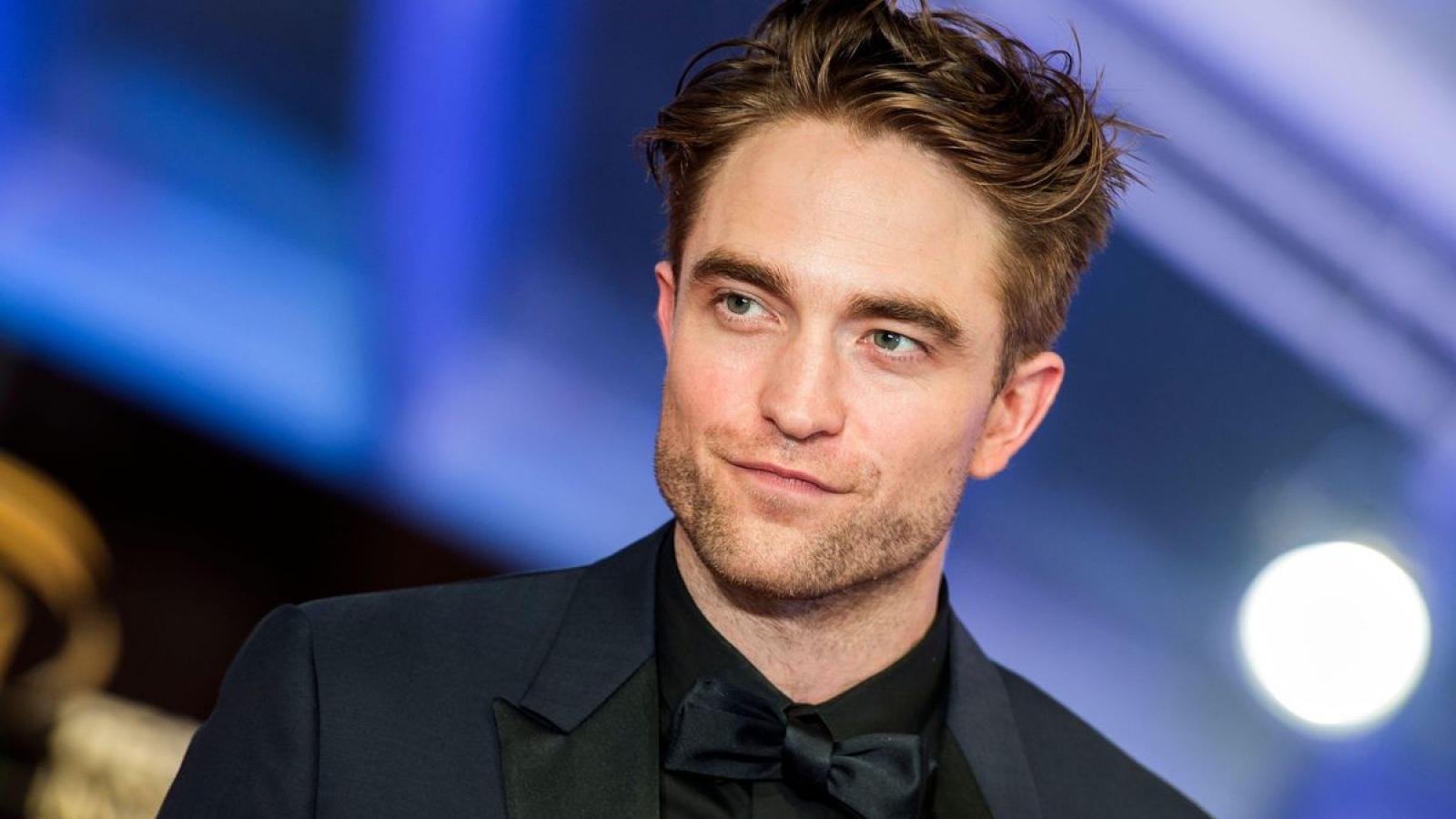 Nam diễn viên Robert Pattinson dương tính với virus SAR-CoV-2