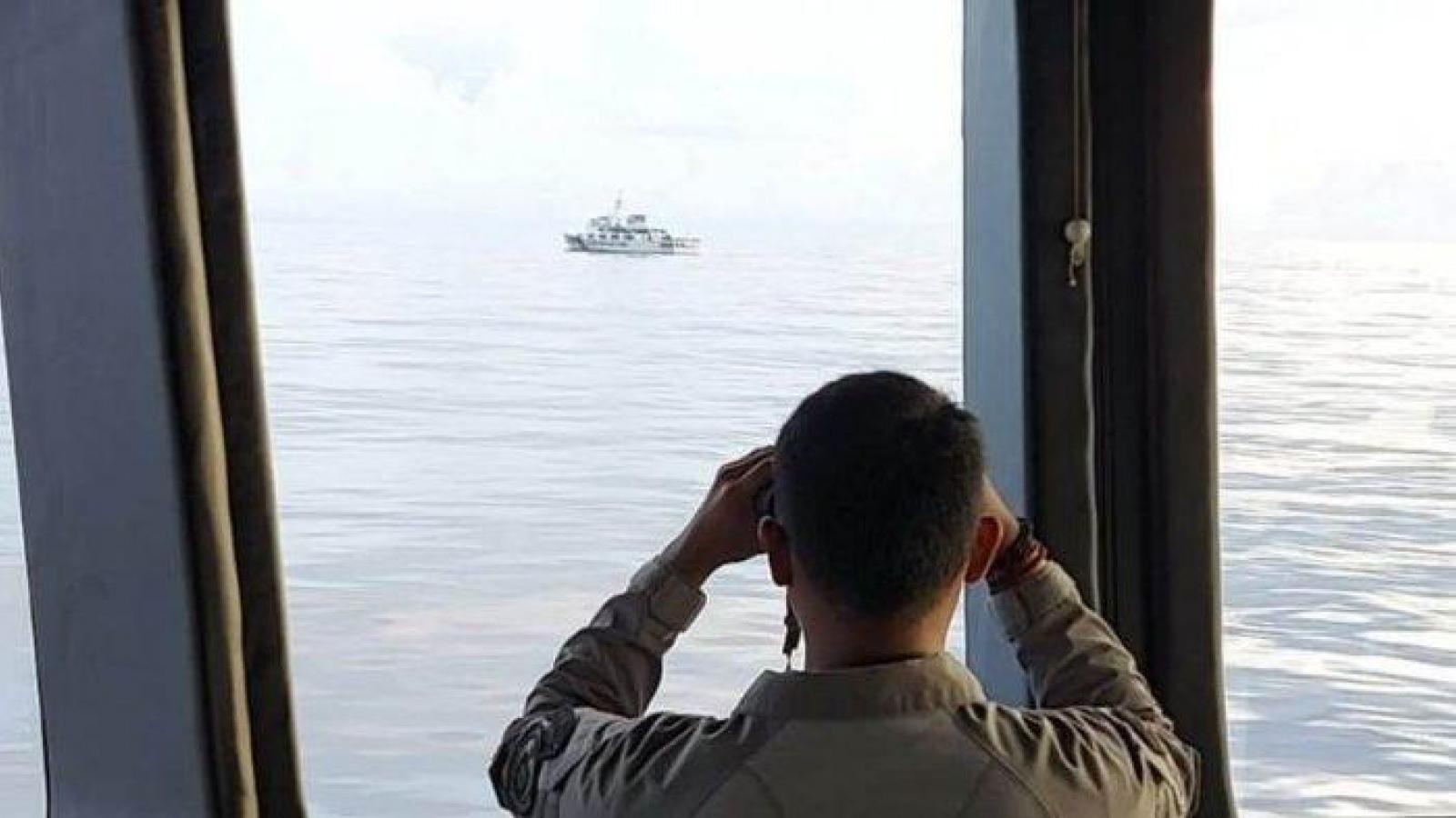 Indonesia trục xuất tàu hải cảnh Trung Quốc xâm nhập Bắc Natuna