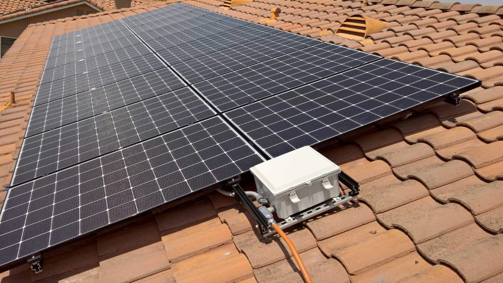 Lào phát triển điện mặt trời mái nhà tại tỉnh Khammuan