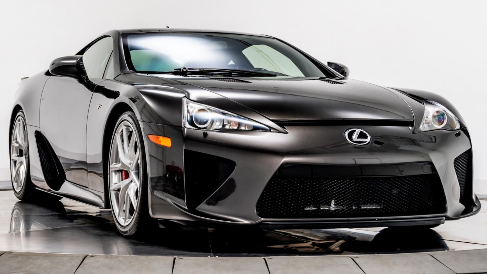 """Cận cảnh chiếc Lexus LFA màu nâu """"độc nhất vô nhị"""""""