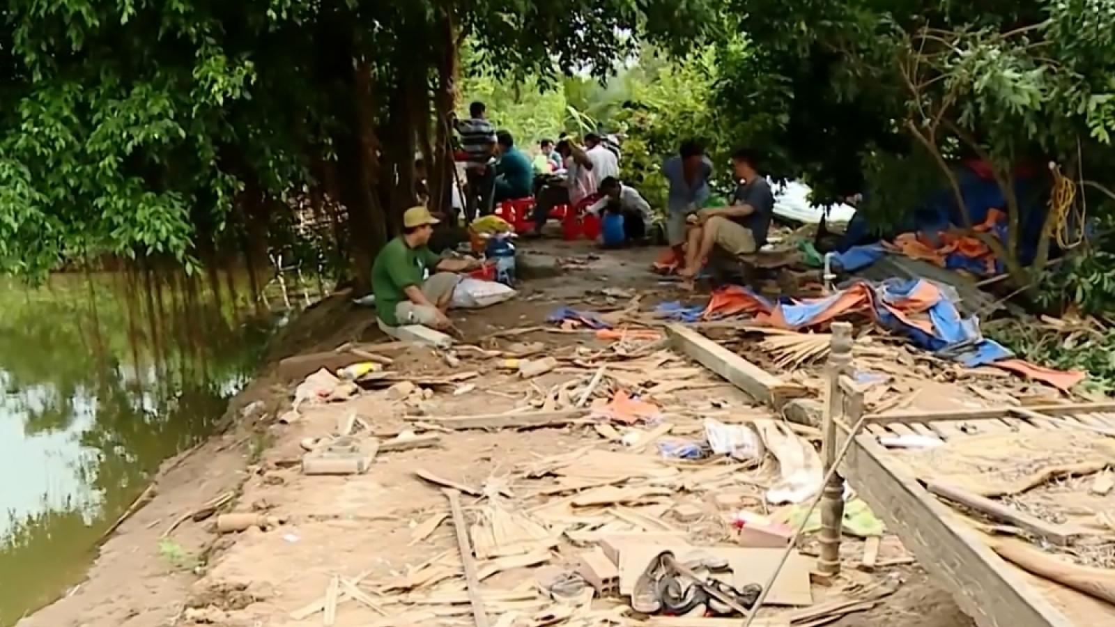 Lốc xoáy ở Vĩnh Long khiến hơn 40 căn nhà của người dân bị sập