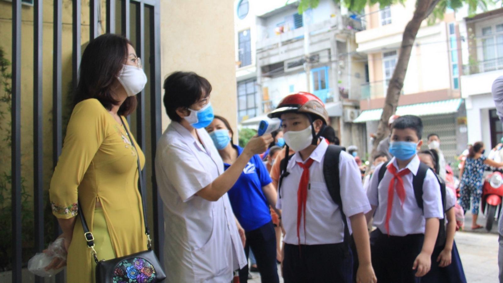 Học sinh cấp mầm non, tiểu học ở Đà Nẵng háo hức trở lại trường