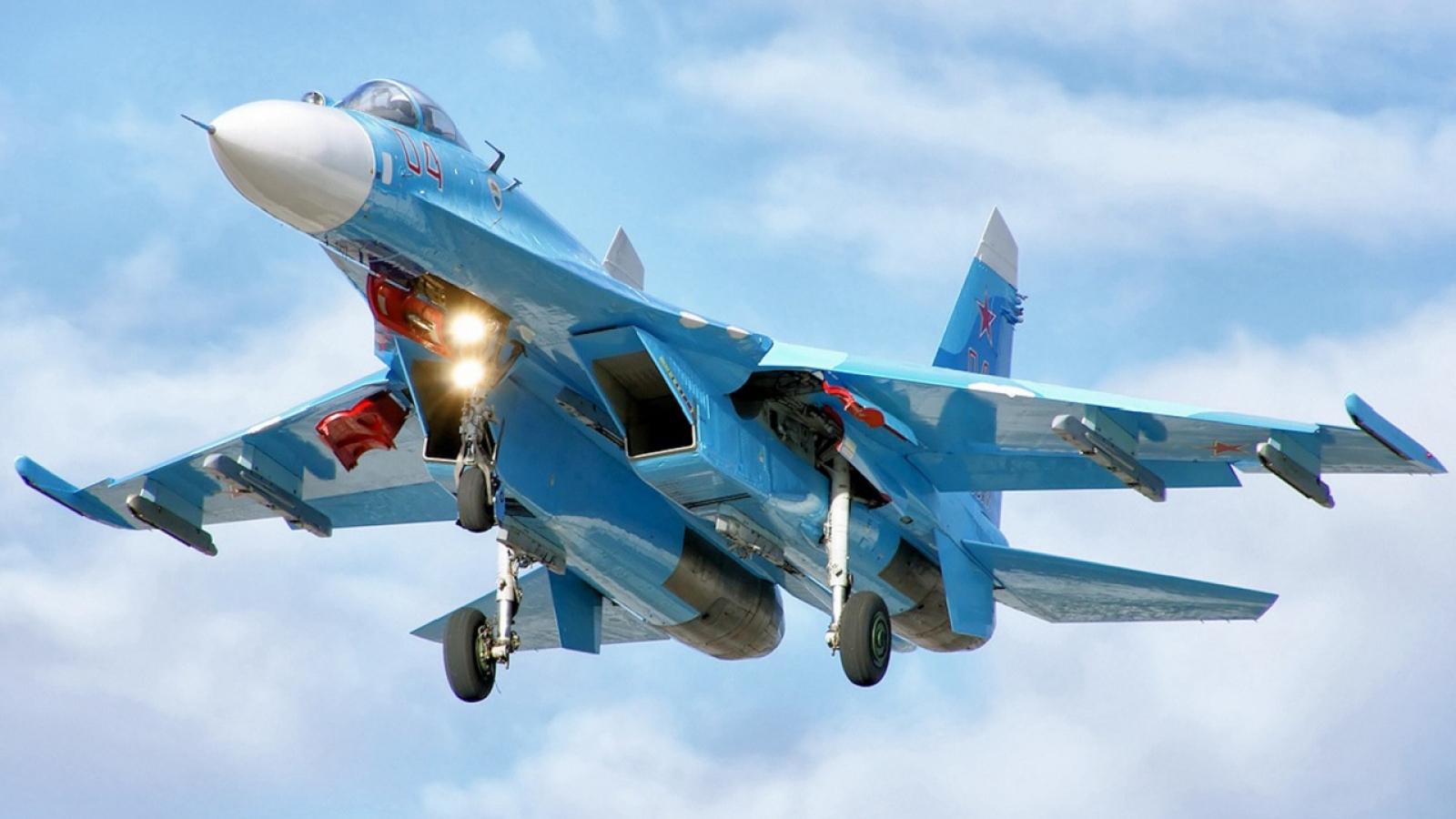 Sukhoi-27 của Nga chặn máy bay do thám Mỹ trên Biển Đen