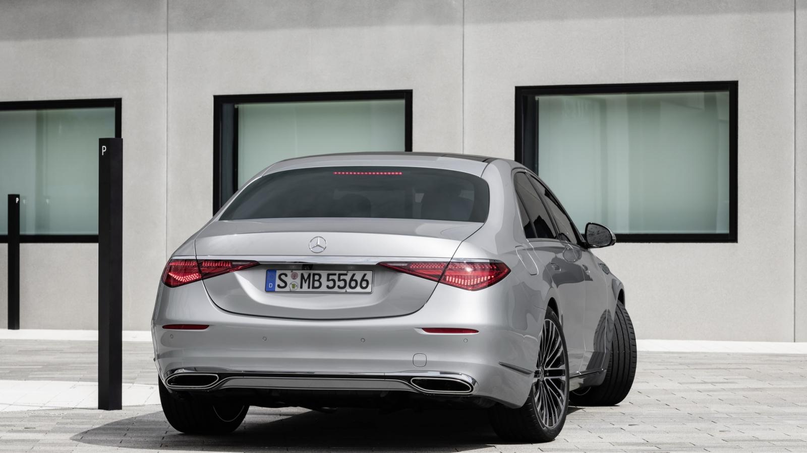 Mercedes-Benz S-Class 2021 có thể đánh lái bánh sau