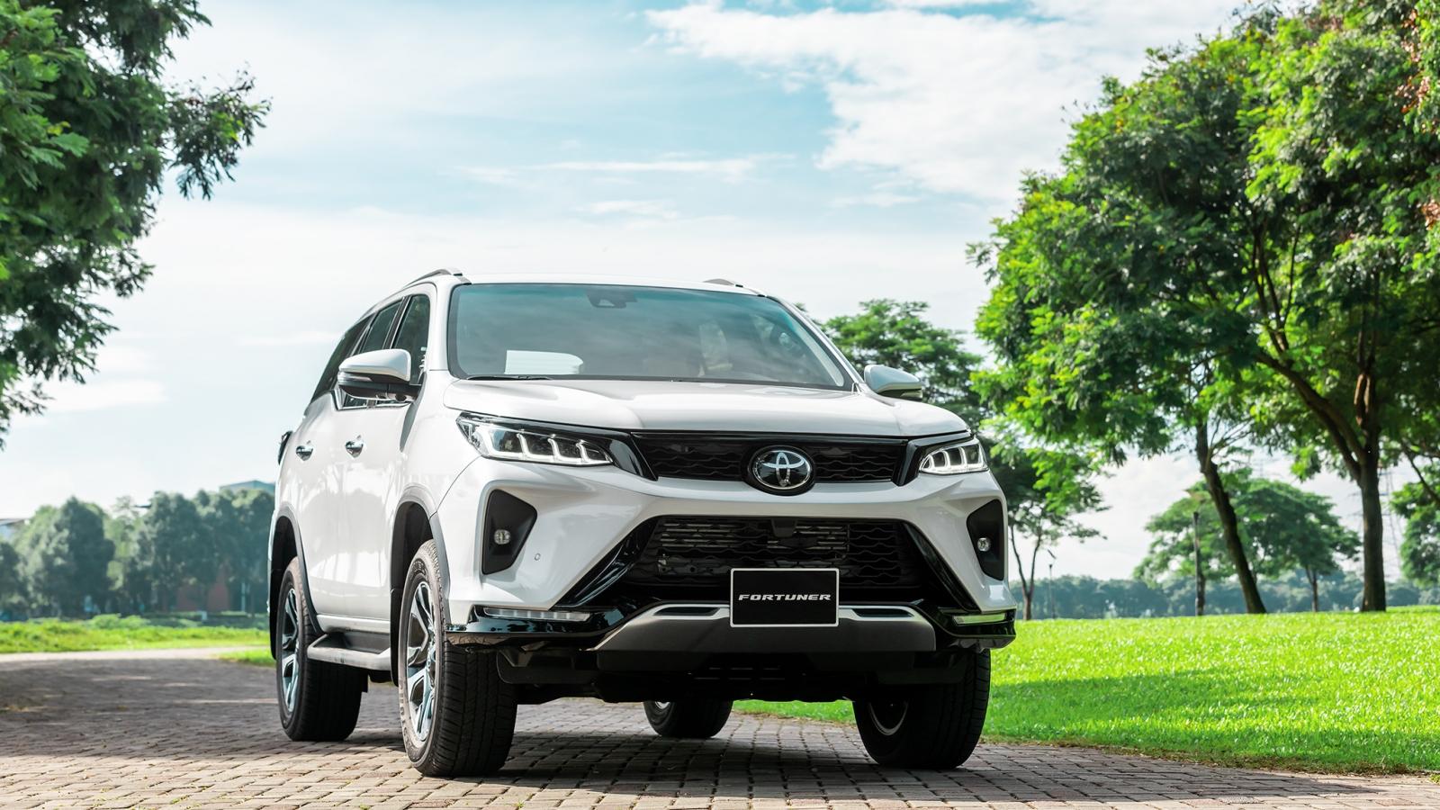 Ảnh chi tiết Toyota Fortuner 2020 giá từ 995 triệu đồng