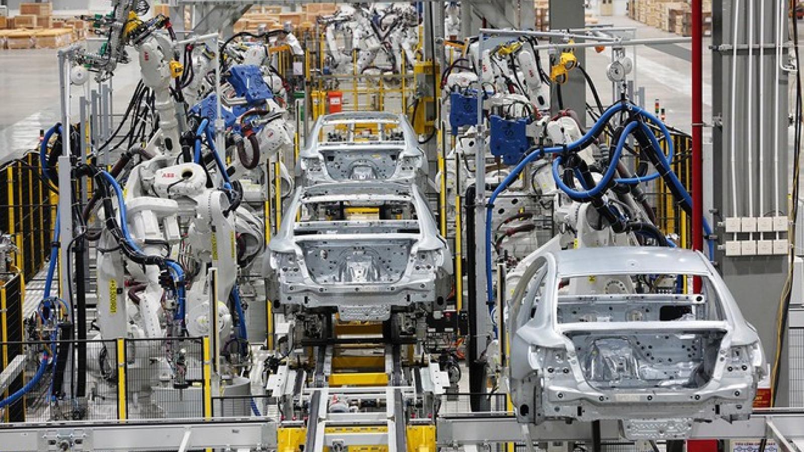 """Tổng cục Thuế """"thúc"""" thực hiện gia hạn nộp thuế TTĐB đối với ô tô sản xuất trong nước"""