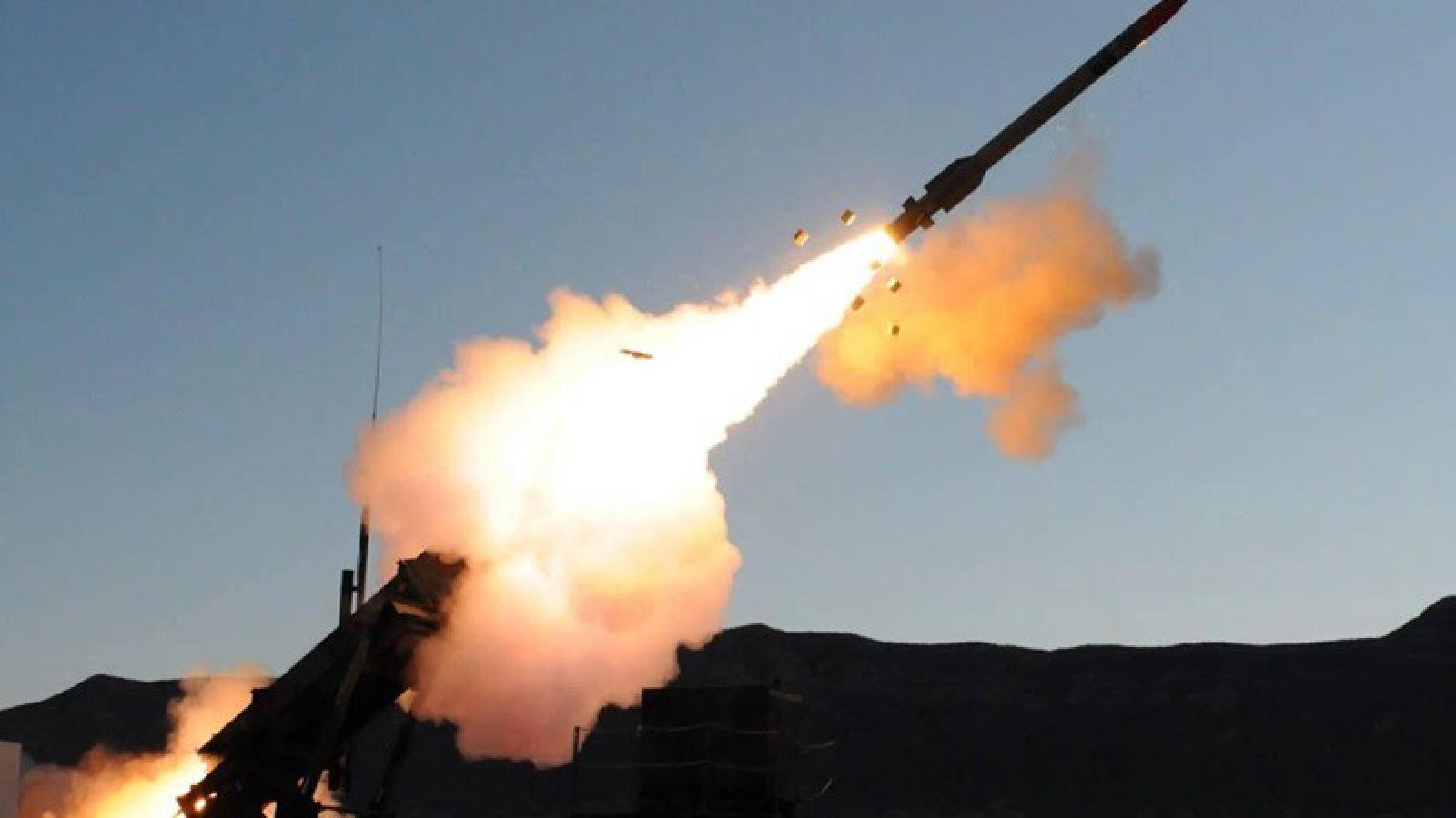 Israel tấn công tên lửa nhằm vào thủ đô Syria, giết chết ít nhất 2 binh sĩ