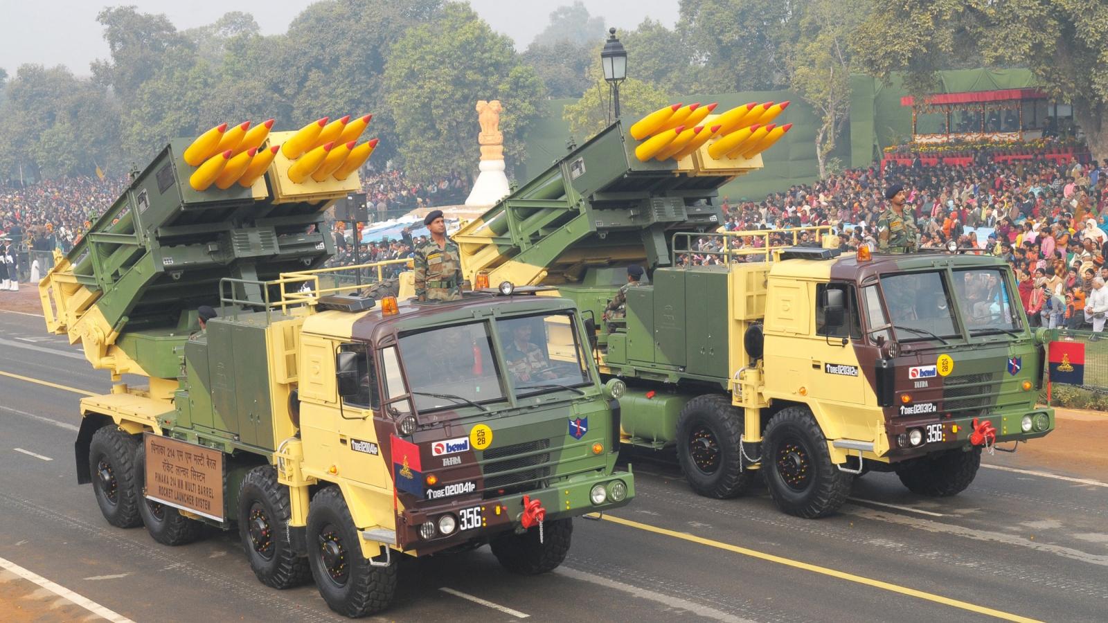 Ấn Độ mua 6 tổ hợp Pinaka triển khai dọc biên giới Trung Quốc