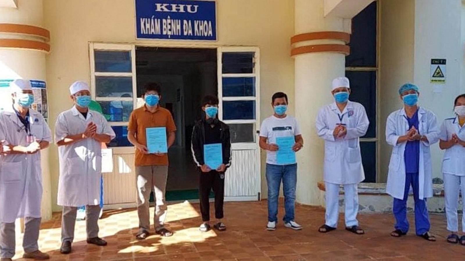 3 bệnh nhân mắc Covid-19 cuối cùng ở Quảng Ngãixuất viện