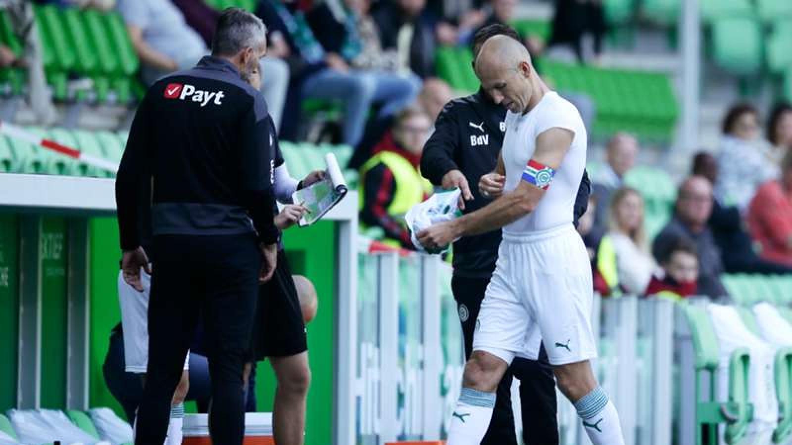 Robben chấn thương chỉ sau ... 30 phút tái xuất sân cỏ